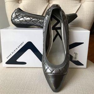 🆕 Anne Klein Pewter Flats - Size 7.5